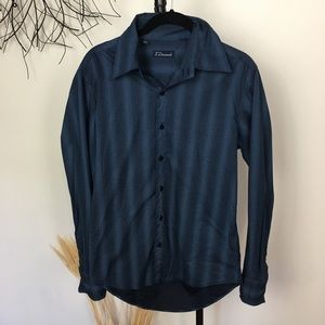 7 DIAMONDS blue button down shirt. Small